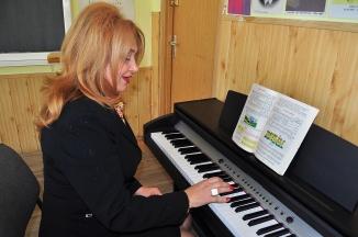 Mioara Barsan la ora de eductia muzicala