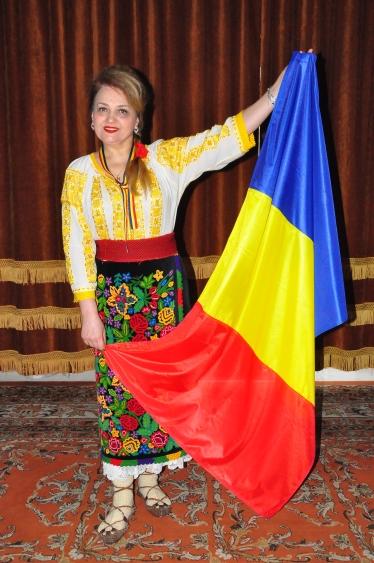 Mioara Barsan si drapelul Romaniei