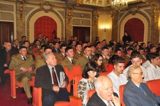 Public spectacol Cadrele militare