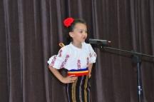 Mandra sunt ca mi s moldoveanca ... Adelina Perju !!